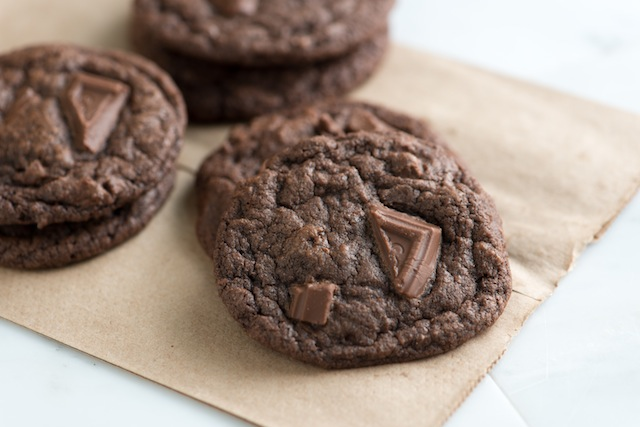 The Somewhat Healthy Chewy Double Chocolate Chip Cookie ...