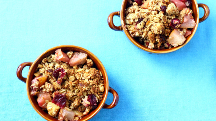 Easy Peasy Cranberry Pear Apple Crisp