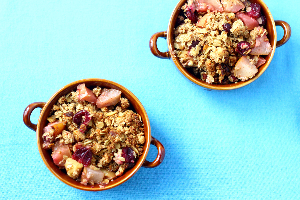 Quick and Easy Apple Crisp | Yaletown Naturopathic Clinic